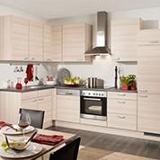 Moderne Kücheneinrichtung bei Möbelix in hellem Holzlook